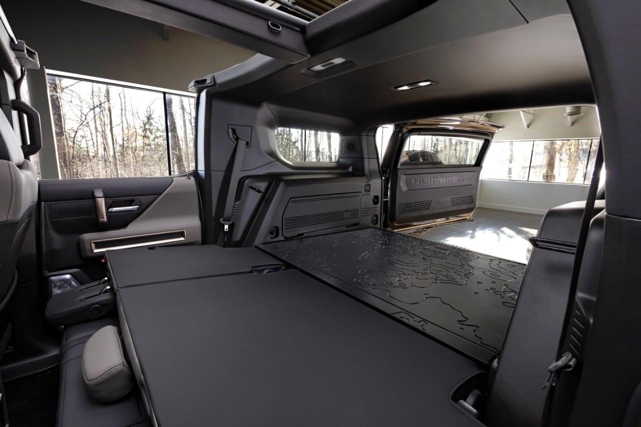 2024 GMC HUMMER EV SUV Lunar Shadow Interior